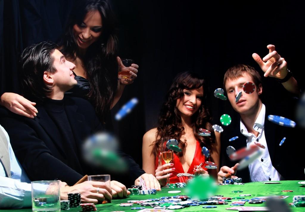 nabory-dlia-igry-v-poker-dostoinaia-i33764