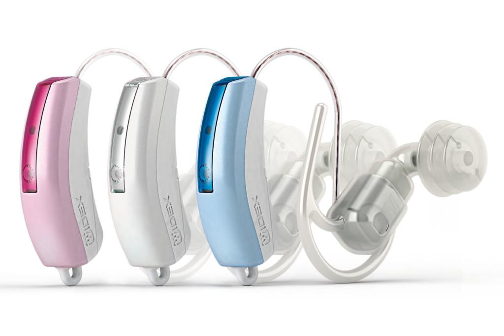 Widex Baby440 ist das erste RITE-Hörsystem (Receiver-In-the-Ear) für Babys mit ClearBand Technologie. Der ClearBand-2-Wege-Hörer kann weich im Ohr des Babys platziert werden und ermöglicht erstmals eine Superbreitbandübertragung bis 10kHz für optimale Sprach- und Sprechentwicklung von Babys mit Hörschwäche. Erhältlich in den kindgerechten Farben pearl white, pearl pink, pearl blue.