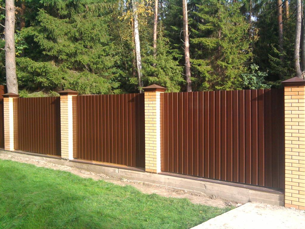 Забор-из-профнастила