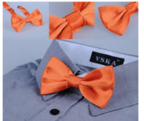Классика с галстуком бабочкой.